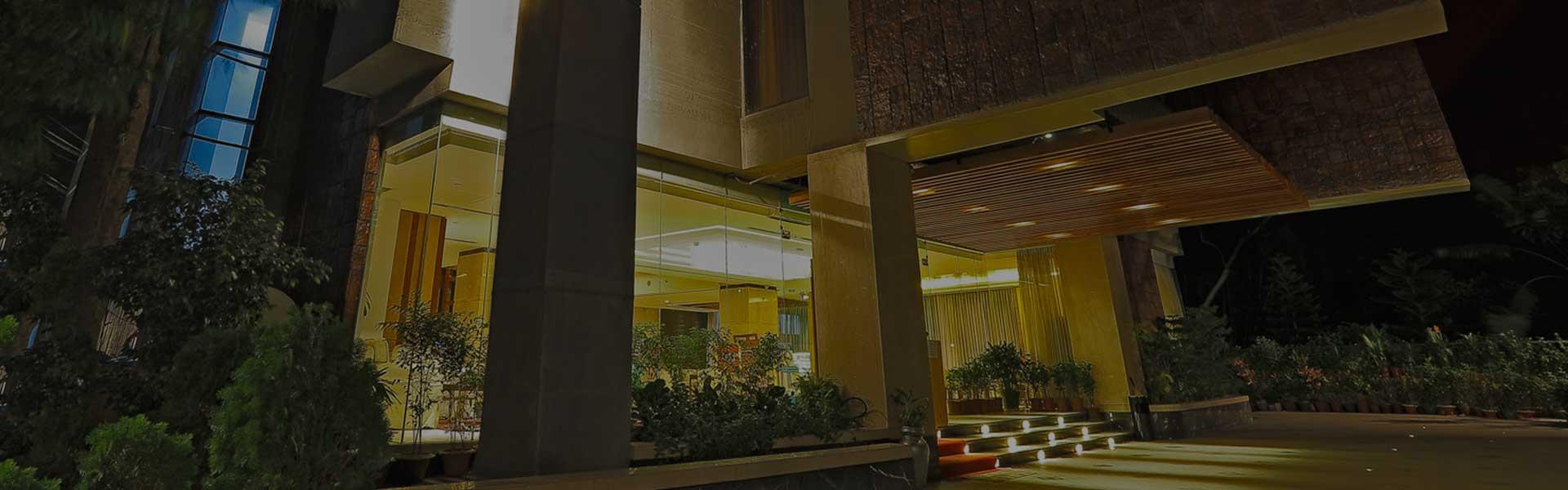 sixseasonshotel-banner